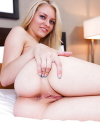 Gonzo ash-blonde alli rae is disrobing and toying with anal invasion gape - part 90