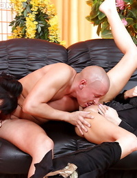 Celine Noiret enjoys a 3 way pissing act with her friends