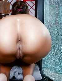 Lean honey Khloe Kash showcasing off shaved cunt and puffy cunny lips
