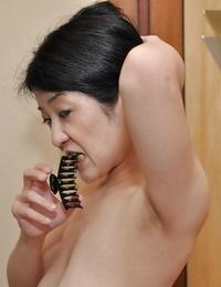 Poundable asian Mummy with flabby jugs Satoko Miyazawa taking shower