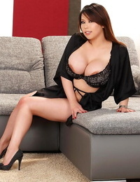 Fatty asian with big tits Tigerr unclothing her taut lush body
