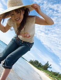 Delicious asian babe Mari Misaki revealing her lively forms outdoor