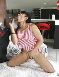 Asian slut Mia Li giving a large seized shaft a deep throat outdoors