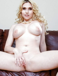 Blonde model Christie Stevens letting thick innate tits fall free from sundress