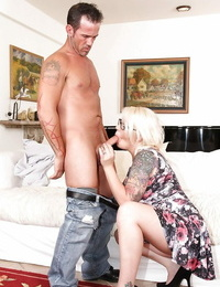 Chunky ash-blonde Missy Monroe providing a oral pleasure and dripping jism down chin