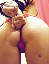 Babe Monica Mendez plays out her Sadism & Masochism wishes by getting bound up