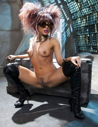 Inviting asian MILF in shoes Kaylani Lei uncovering her killer figure
