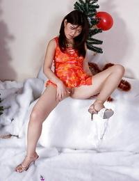 Solo Japanese model Aksana pulling whit subjugation up cunt slit
