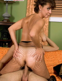 Hook-up is all Jamy Nova needs and she is allowing the fucking partner to jizz over hooters