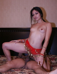 Slutty indian nymph gives a oral pleasure and gets her fur covered cunt slammed gonzo