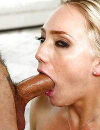 Blonde pornstar AJ Applegate getting chipmunked during tough face pounding
