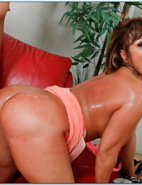 Asian Mummy Ava Devine gives a fervent suck and gets screwed gonzo