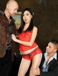 Elegant Asian stunner Yiki likes that dp technique