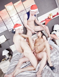Groupsex gig with an marvelous dickblowers cowgirl Miranda and 2 guys