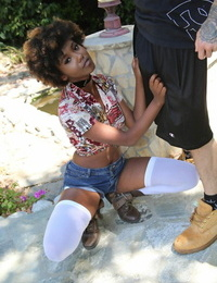 Curly ebony teenager Daizy Cooper loves the taste and force of stepbros dick