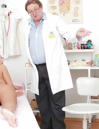 European fetish chick Nathaly Heaven has anal and vaginal check up