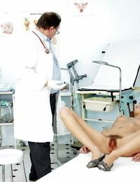 European dark-haired honey Amanda Temptress is opening up her gams