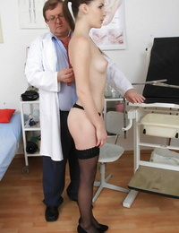 What a refreshing sight is the shaved pussy of lovely Zena Lil\'
