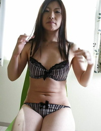 Shy asian Mummy gives head and has some cunt frigging and munching joy