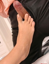 A sleeping Diana Gold has her bare soles slurped before giving footjob