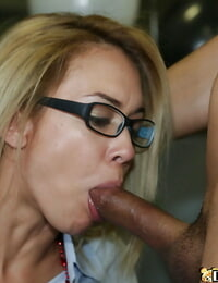 Horny ash-blonde babe gets cunt licked and bitchy stiff in the office