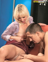 Middle aged blond Andi Roxxx deep throats a big shaft and gets frosted