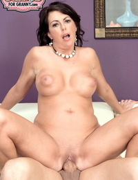 Stunning wifey Dakota Riley gets her pierced clean-shaven pussy creampied