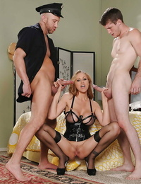 Thick sensitive penetrate tight mummy cunt of Julia Ann in a 3 way