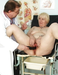 Wild chubby granny gets her hairy vagina stretched enrapture at the gyno
