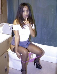 Talkative thai hotty in nylons exposing her goods and pissing