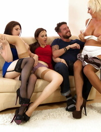 Ash-blonde cougar Jan Burton having groupsex with 2 girls and a stud