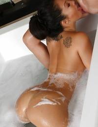 Puffy asian vixen gives an oily rubdown turning into lezzie hookup