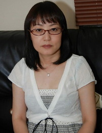 Timid asian lady in glasses undresses down and has some cunt vibrating fun