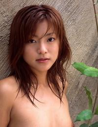 Engulfs asian babe Madoka Ozava disrobing off her clothes outdoor