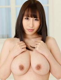 Busty Asian hottie Yuna Hoshizaki gives a titjob before scorching intercourse
