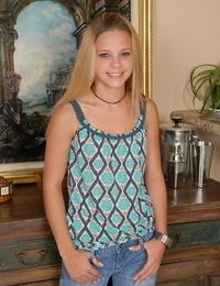 Teenager honey Destiny Garnet is posing in her beloved taut denim