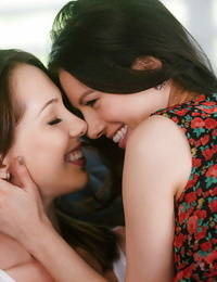 Jenna Sativa and Shyla Jennings in strong episodes of pure lesbo fervor
