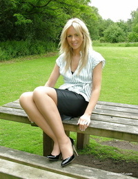 Outdoor posing from an favorite non bare model in tight skirt Jess