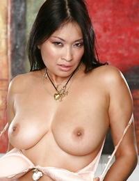 Girl-slobber asian girl leisurely revealing her upbeat bodacious body