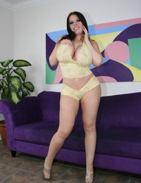 Buxomy MILF Daphne Rosen gushes her bod in lingerie and naked