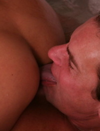 Lovely Asian massagist Kim Tao helps hard-on man to jizz cutely
