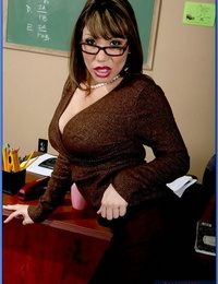 Asian MILF teacher Ava Devine denudes her assets and without bra beaver