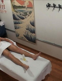 Asian rubdown woman Annie Lee finishes her client with hard-core fucking