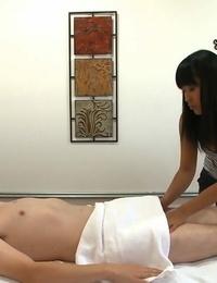Hardcore massage ends with handjob and butt cheeks for Asian Yuki Mori