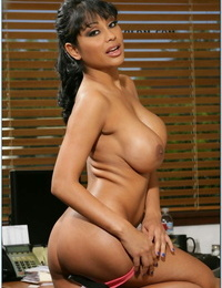 Stunning office babe Priya Anjali Rai denudes ripe pouch and big tits