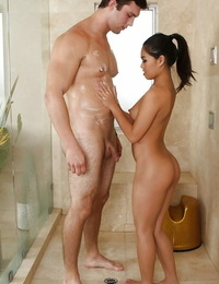 Frolic asian massagist pleasuring her hung client with her skillful hands