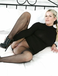 Jessica poses in her fantastic pantyhose and shows off her mummy booty