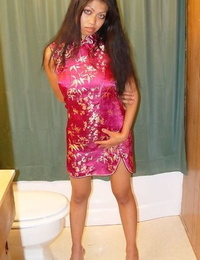 Sassy thai slut pissing and exposing her honeypot in close up