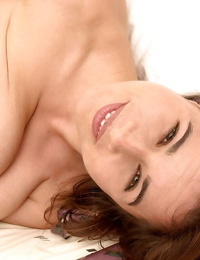Fat frosted Mummy Chloe Vevrier playing and fingering pink hole while wanking