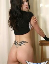Inked hottie Ravon exposes her taut butt in her mind-blowing rosy undies